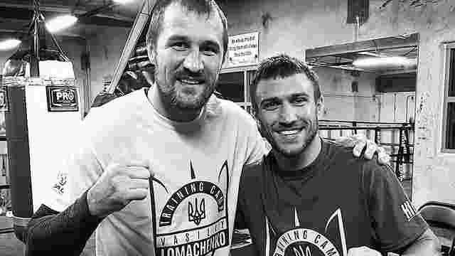 Василь Ломаченко одягнув російського боксера у футболку з тризубом