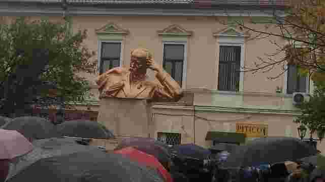 У сусідньому з Україною регіоні Румунії відкрили пам'ятник Шевченку