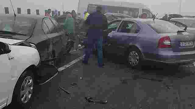 У Румунії в ДТП зіштовхнулися понад 20 автомобілів, чотири людини загинули