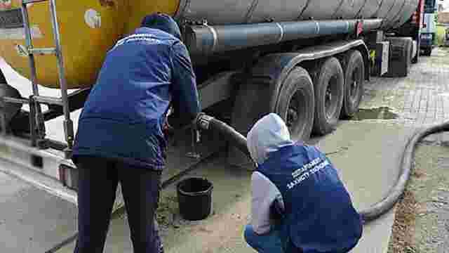 У Чернівецькій області правоохоронці вилучили фальсифіковане паливо на ₴2 млн