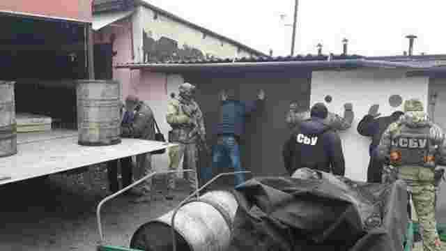 СБУ затримала військових, які крали призначене для АТО пальне
