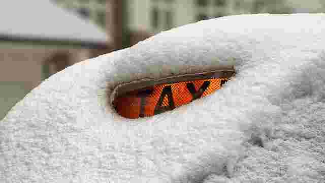 Через снігопади львівські таксисти офіційно підняли ціни