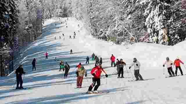 Попри сильні снігопади гірськолижні комплекси в Карпатах ще не відкрили сезон