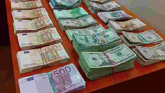 У Львові викрили прихований пункт обміну валют для підприємців