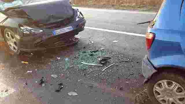 Біля пункту пропуску у Грушеві іноземець протаранив чотири машини