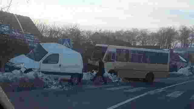 Внаслідок ДТП з маршруткою у Бібрці загинули дві людини
