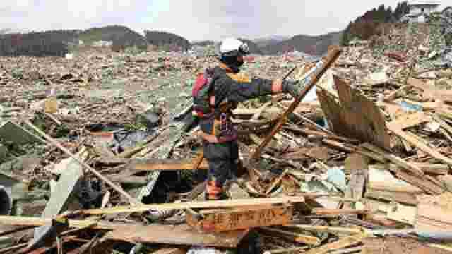 В Японії поблизу Фукусіми сталися сильні землетруси, які спричинили цунамі