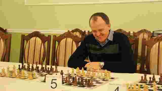 Наставник «Карпат» зіграв внічию з відомим львівським гросмейстером Василем Іванчуком