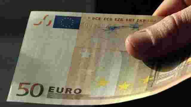 На кордоні у Краковці затримали чеха, який пропонував 50 євро хабара