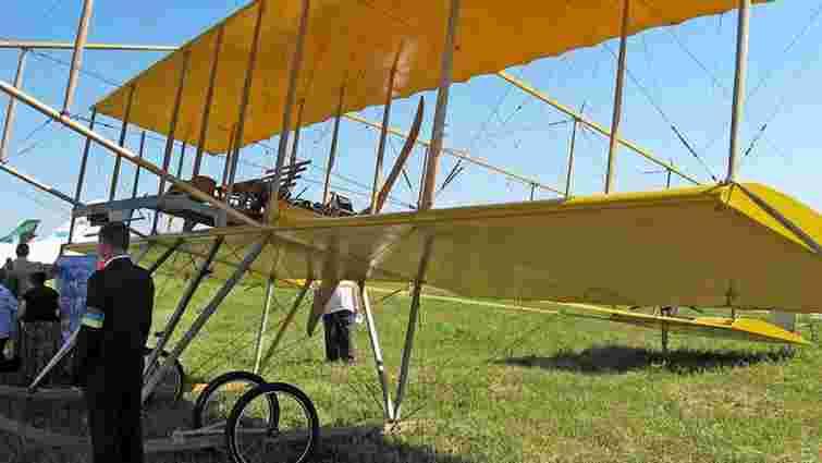 Одесит підняв у небо аероплан, зроблений по кресленнях 1910 року