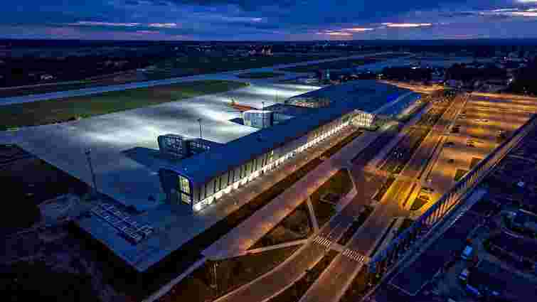 Аеропорт «Львів» застрахував припарковані авто на стоянці аеропорту
