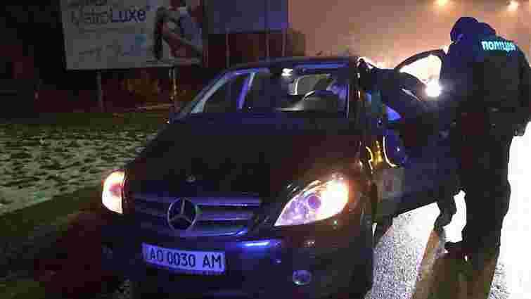 В Ужгороді п'яний працівник СБУ збив двох пішоходів