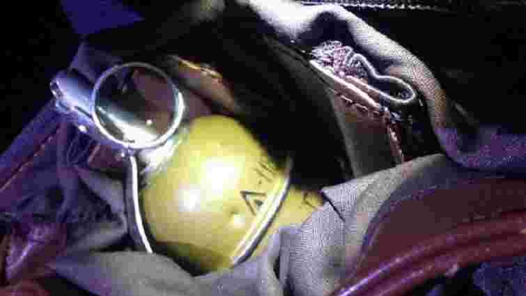 Поліція затримала водія, який п'яним з гранатою їздив зустрічною смугою на Донеччині