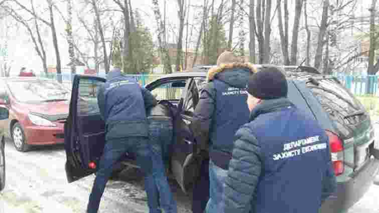 На Черкащині працівника воєнкомату затримали на хабарі в ₴30 тис.
