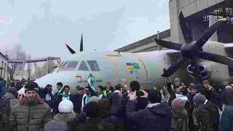 «Антонов» презентував новий багатоцільовий літак Ан-132D