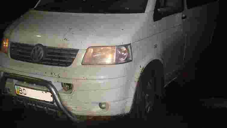 У Шегинях водій буса намагався прорватися повз прикордонників і скоїв ДТП