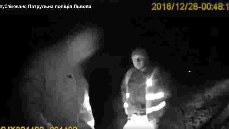 На трасі Київ-Чоп поліція затримала п'яного священика за кермом