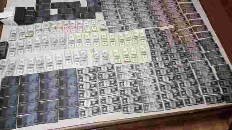 В Івано-Франківську в фальшивомонетників вилучили підроблену валюту на загальну суму $1,5 млн