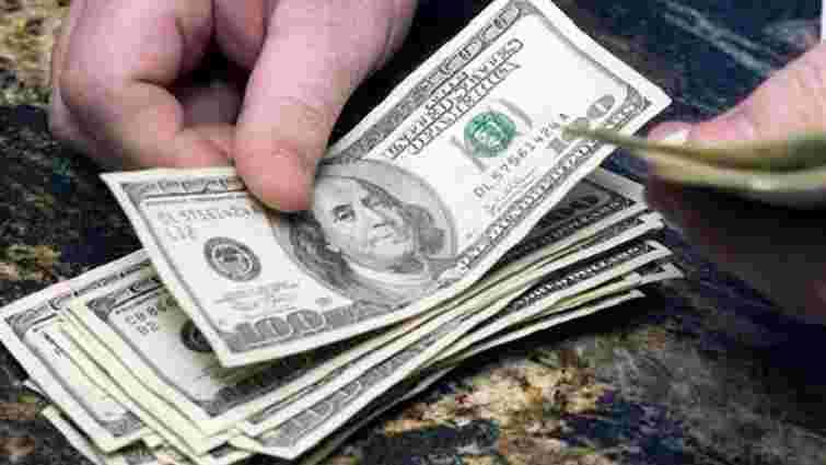 На Рівненщині шахраї обміняли пенсіонерам ₴10 тис. на 10 тис. сувенірних доларів