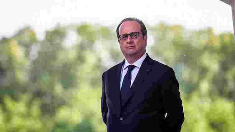Франсуа Олланд закликав французів не допустити Ле Пен до влади