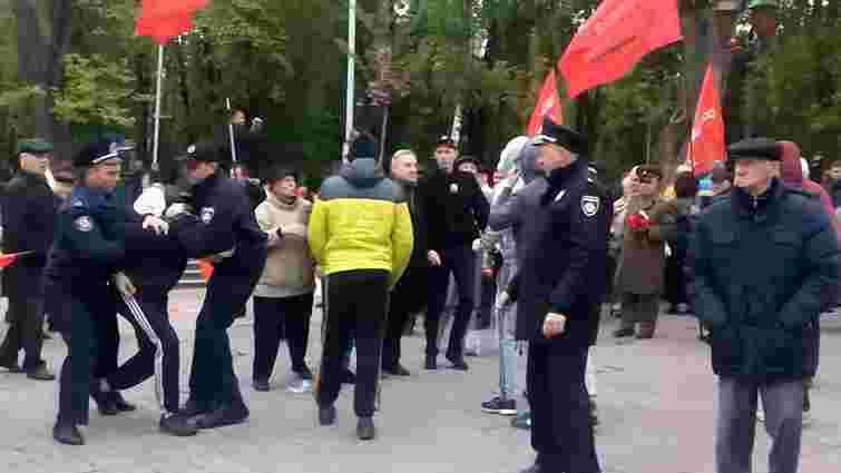 Під час першотравневого мітингу у Вінниці сталися сутички