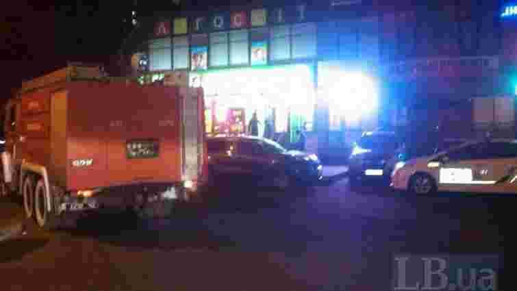 У Києві на вулиці Ахматової стався вибух, поранено чоловіка