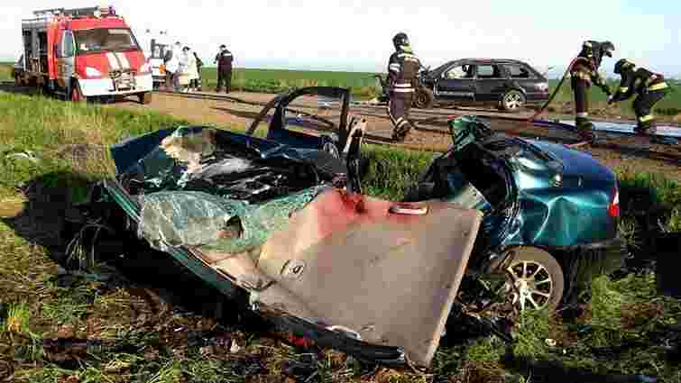 В автомобільній аварії на Одещині загинуло п'ятеро людей