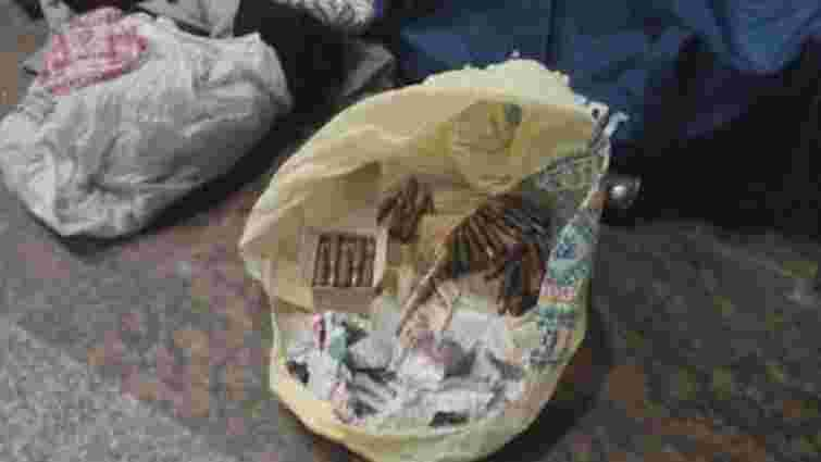 На львівському вокзалі знайшли сумку з боєприпасами
