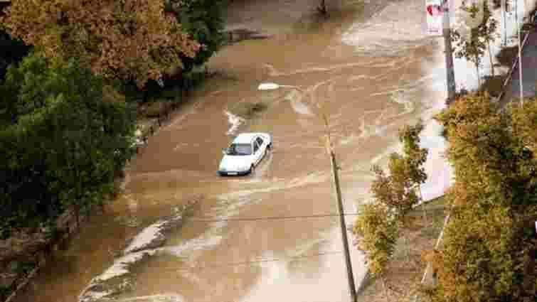 Потужні зливи паралізували залізничний рух у Молдові