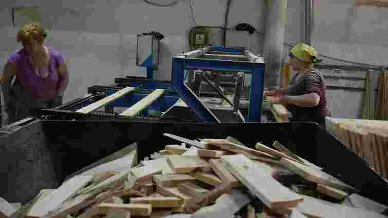 Деревообробне підприємство на Львівщині організувало безвідходне виробництво