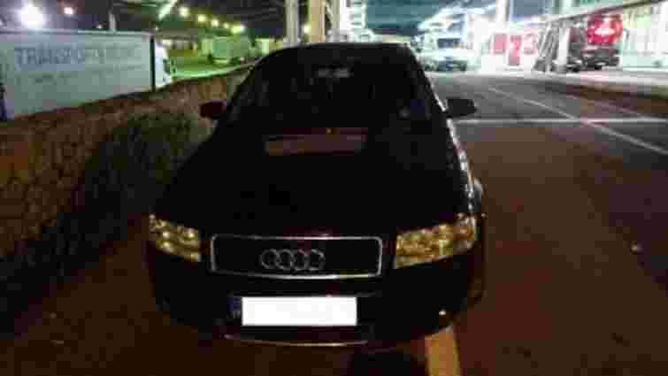 На Львівщині прикордонники затримали автомобіль, викрадений у Нідерландах