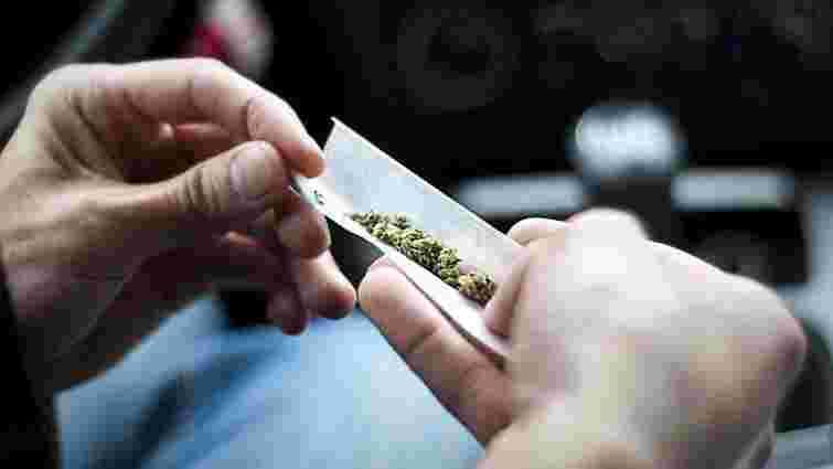 У Харкові два студенти отруїлися сумішшю для куріння, один з них помер