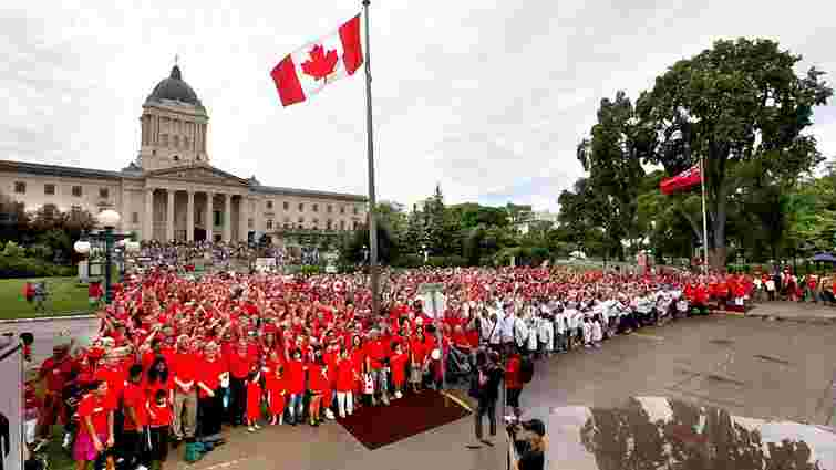 Петро Порошенко привітав канадців із 150-річчям держави