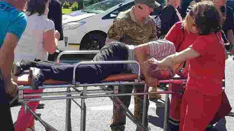 У центрі Львова 45-річний чоловік потрапив під колеса авто