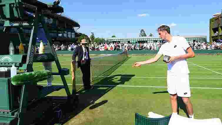 Російського тенісиста оштрафували за неповагу до арбітра на Вімблдоні