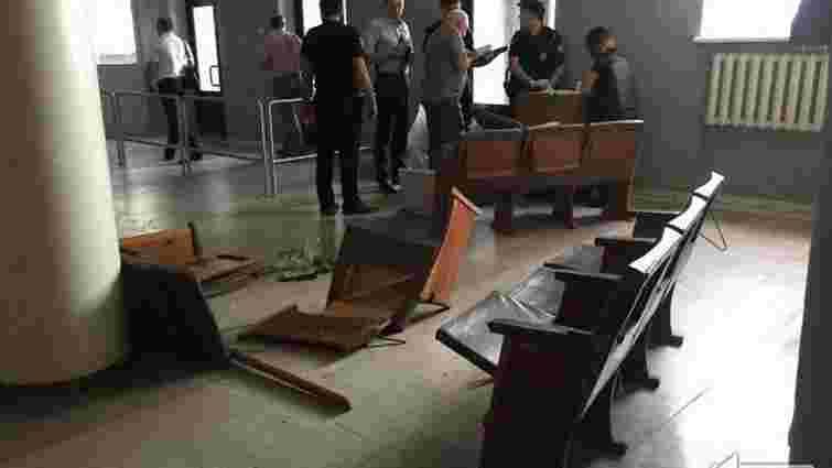 Поліція розслідує обставини поранення оператора місцевого телеканалу у Кривому Розі