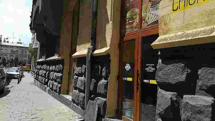 Суд зобов'язав скандальних підприємців відновити первісний вигляд будинку у центрі Львова
