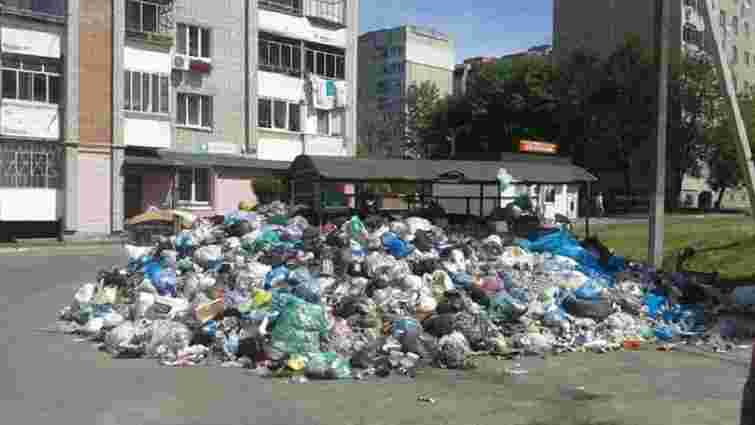 У Франківському районі Львова переповнені 20 майданчиків зі сміттям