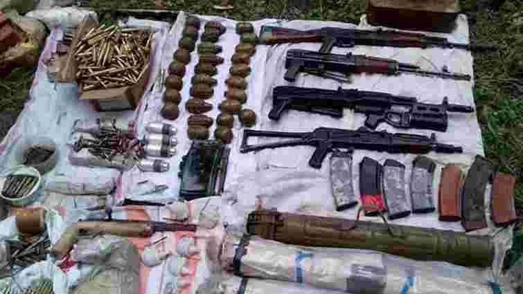 Поліція вилучила арсенал зброї та вибухівки в домогосподарстві на Полтавщині