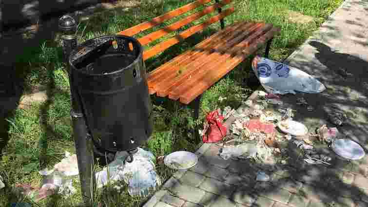 Депутати БПП запропонували штрафувати українців за викидання сміття поза урнами