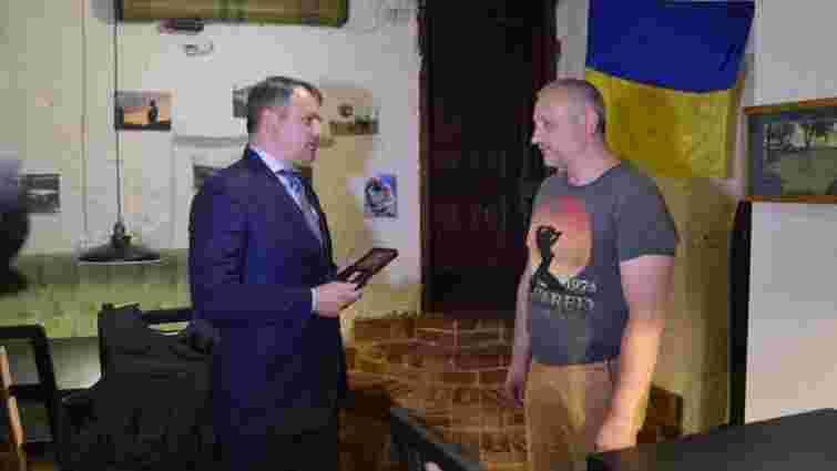 У Львові нагородили орденом «За мужність» добровольця, який покинув Москву для участі в АТО