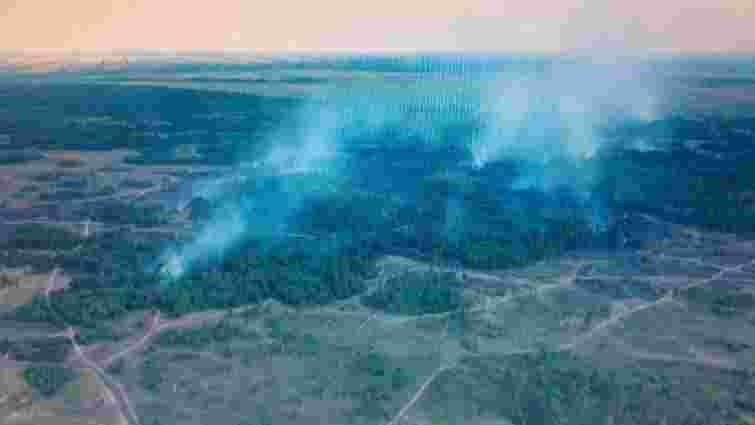 На Дніпропетровщині другу добу гасять пожежу на військовому полігоні