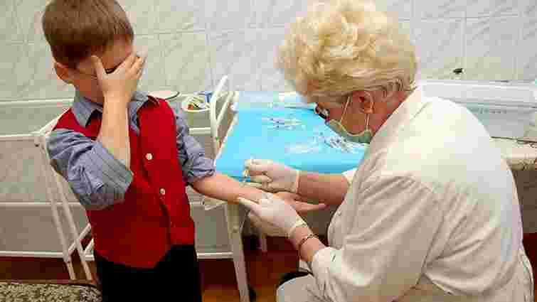 Україна увійшла у число країн із найнижчими показниками щеплення дітей