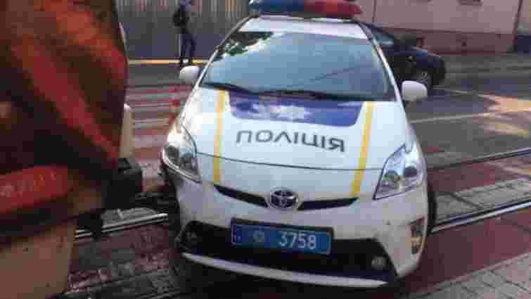 У Львові службова машина патрульної поліції потрапила у ДТП з трамваєм