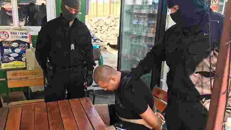 Житель Миколаївської області намагався за ₴300 тис. легалізувати свою плантацію марихуани