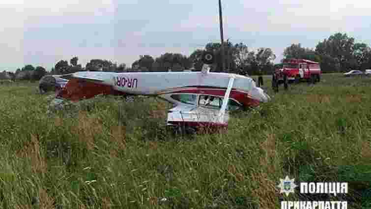 Літак, який перевернувся на Прикарпатті, винайняли, щоб освідчитися у коханні