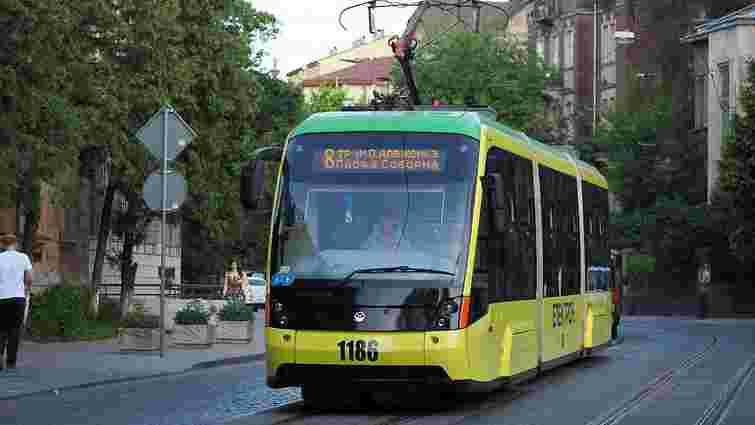 У Львові на невизначений термін не курсують трамваї №2 і 8