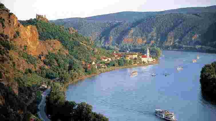 В Австрії на річці Дунай загорілося пасажирське судно