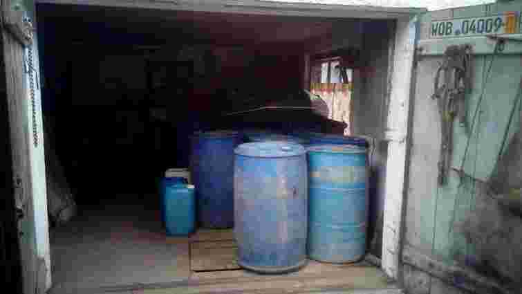 У Радехові викрили підпільний цех з виготовлення фальсифікованого алкоголю
