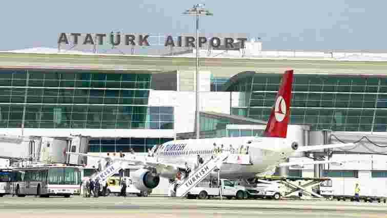 В аеропорту Стамбула зіткнулися турецький і казахський літаки